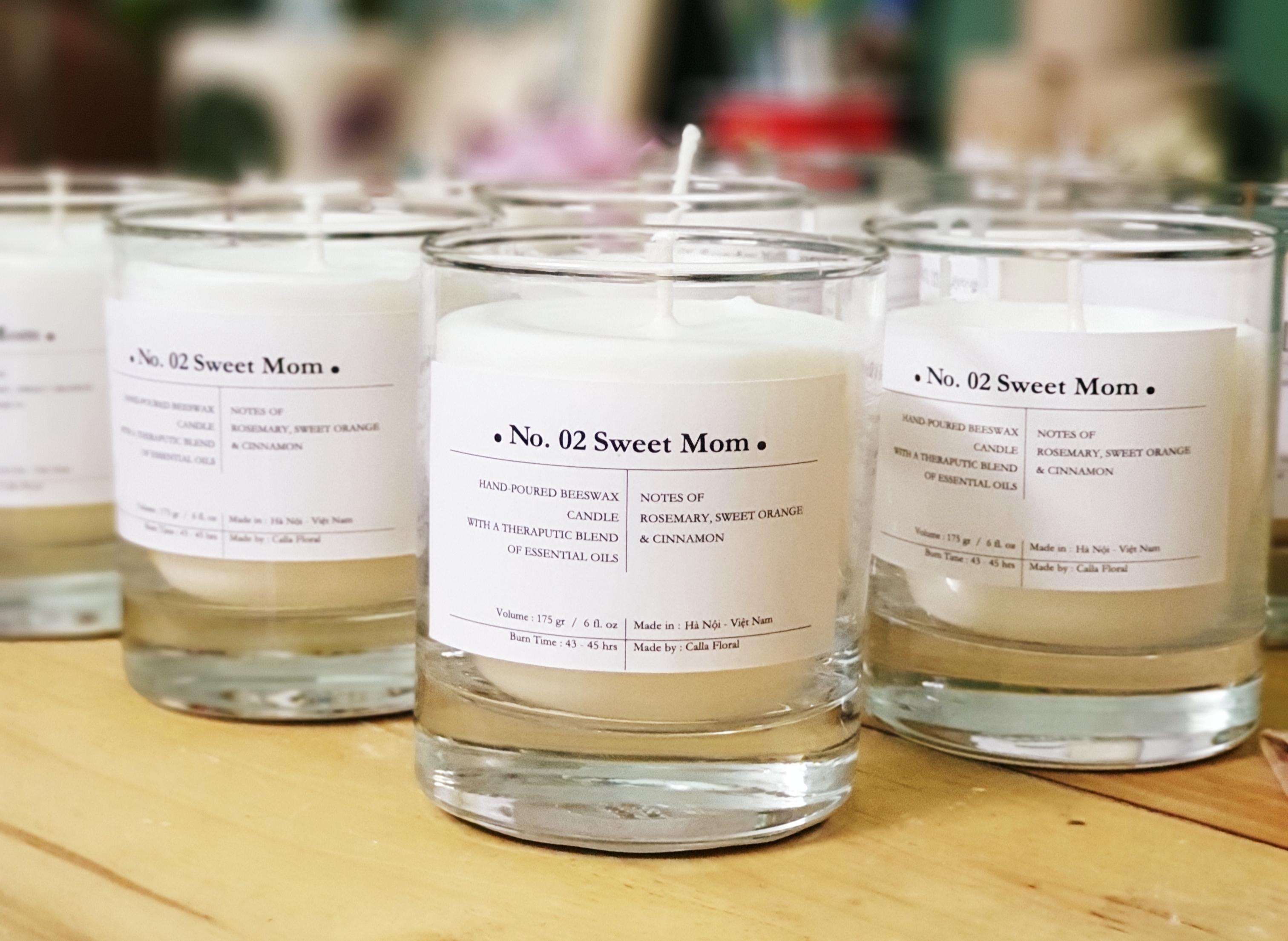 No 02. Sweet Mom - Nến thơm cao cấp bằng sáp ong và hỗn hợp tinh dầu: quế, cam ngọt, hương thảo