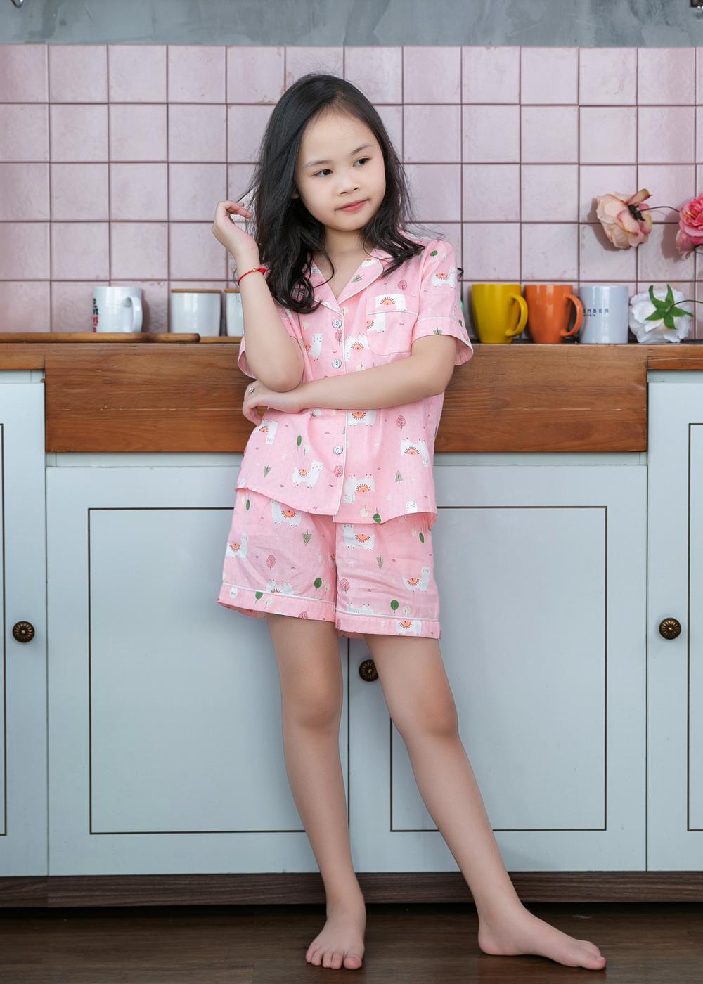 Bộ đồ mặc nhà Pijama bé gái màu hồng họa tiết con lạc đà