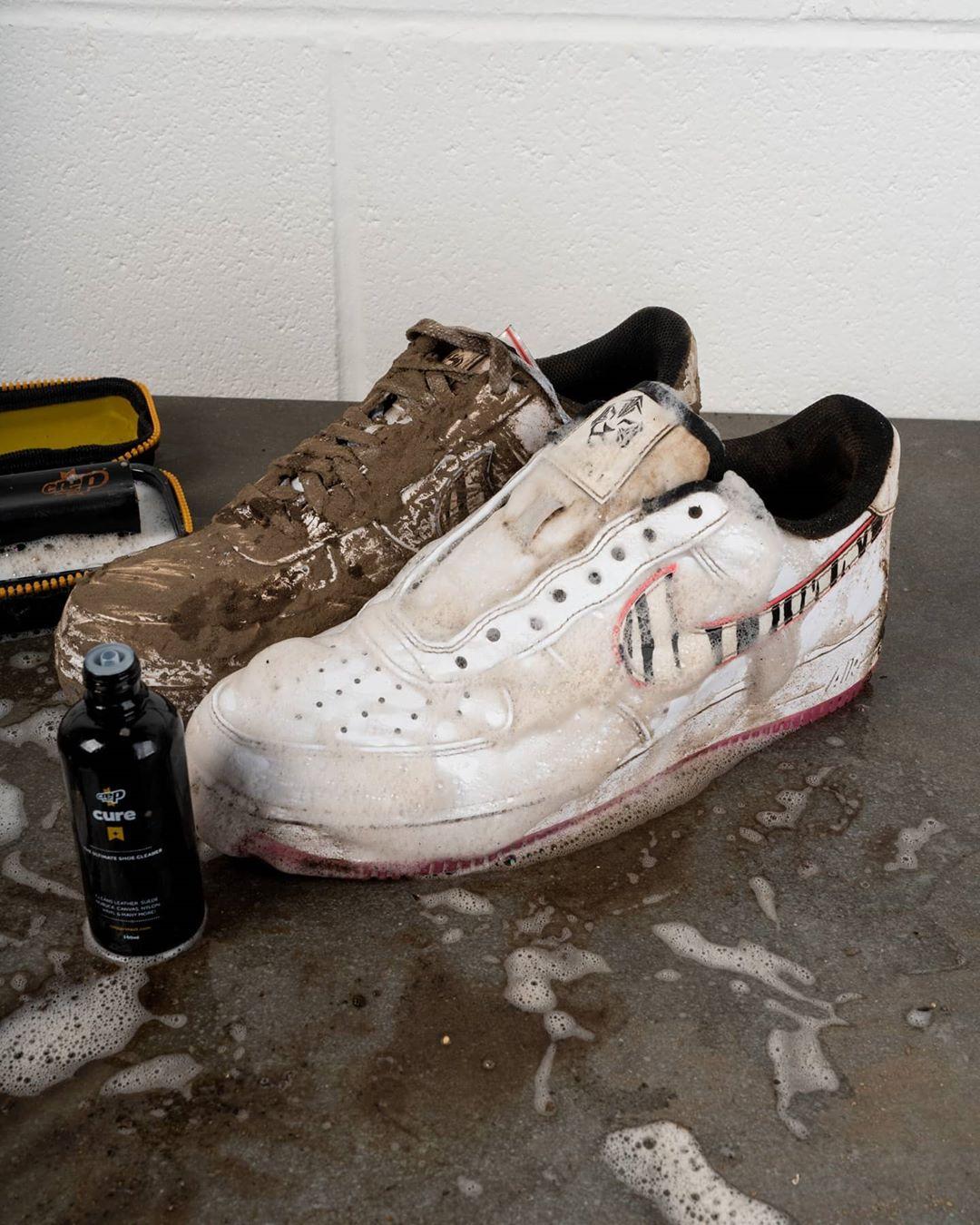 Bộ Vệ Sinh Giày Dép Crep Protect Cure Kit (gồm bàn chải, khăn lau, chai dung dịch vệ sinh 100ml và sách hướng dẫn)