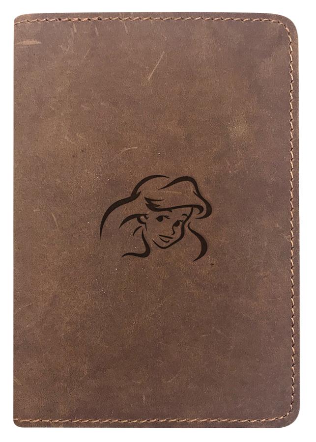 Bao Da Hộ Chiếu Passport Cover Da Sáp Khắc Hình Disney Công Chúa Ariel - Màu Nâu