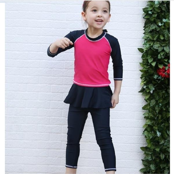 Bộ bơi dài rời đỏ tay đen quần chân váy bé gái từ 2 đến 12 tuổi - 1026621 , 4239745628576 , 62_6016175 , 410000 , Bo-boi-dai-roi-do-tay-den-quan-chan-vay-be-gai-tu-2-den-12-tuoi-62_6016175 , tiki.vn , Bộ bơi dài rời đỏ tay đen quần chân váy bé gái từ 2 đến 12 tuổi