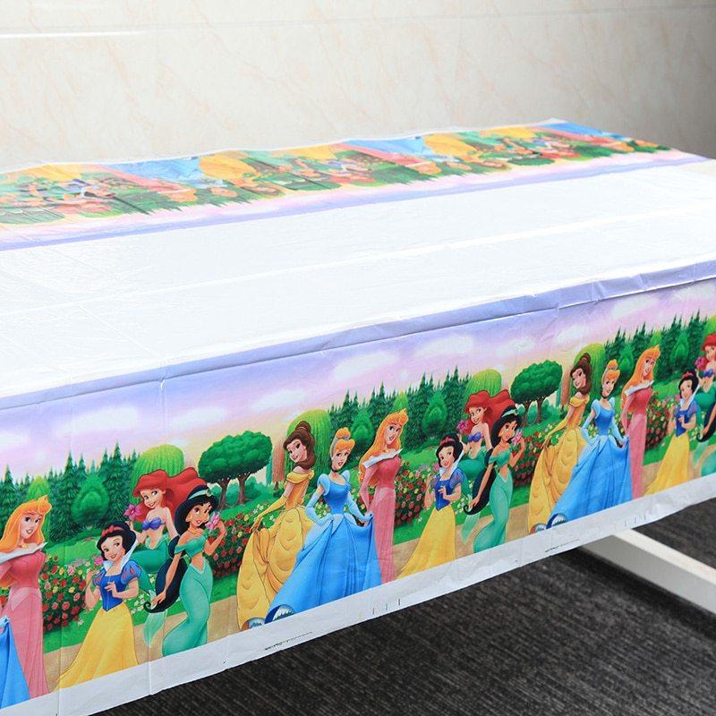 Khăn trải bàn công chúa Disney (180 x 132 cm)