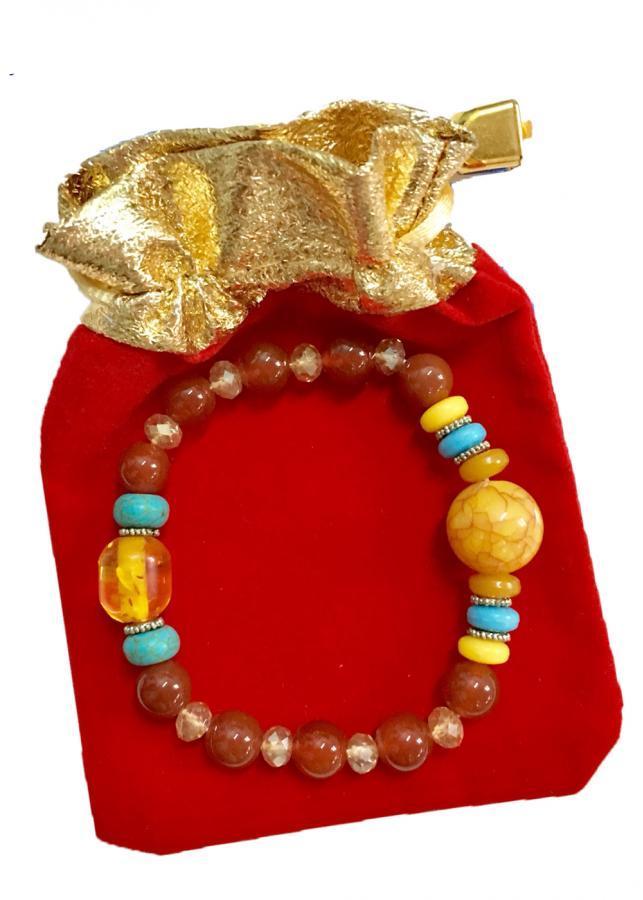Vòng đeo tay hạt đá mã não nâu đỏ xen hạt nhựa VT036 (có kèm túi nhung )
