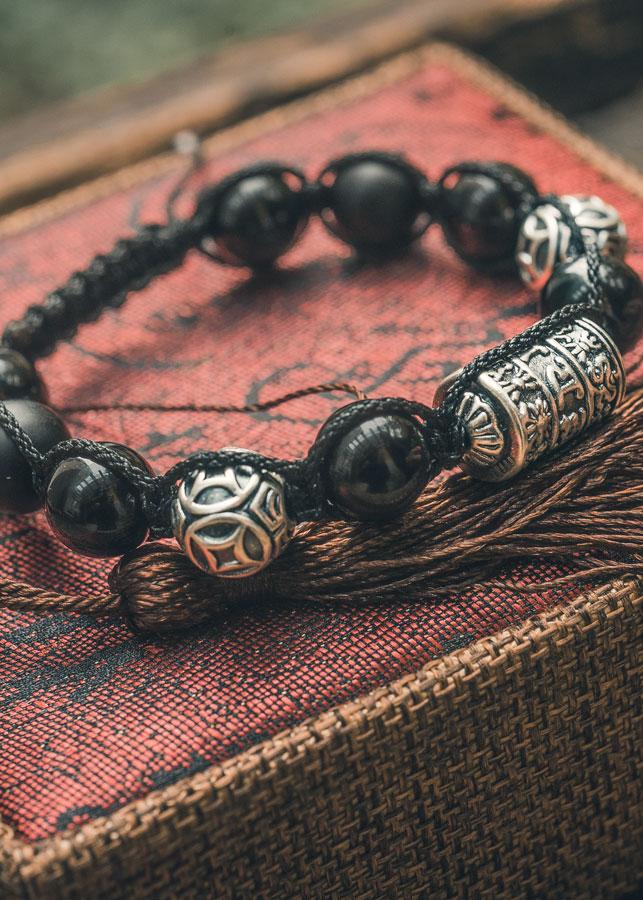 Vòng tay phong thủy đá huyền đen kết hợp Kim ngân thần tài và Kinh tự Omma Ni shambala