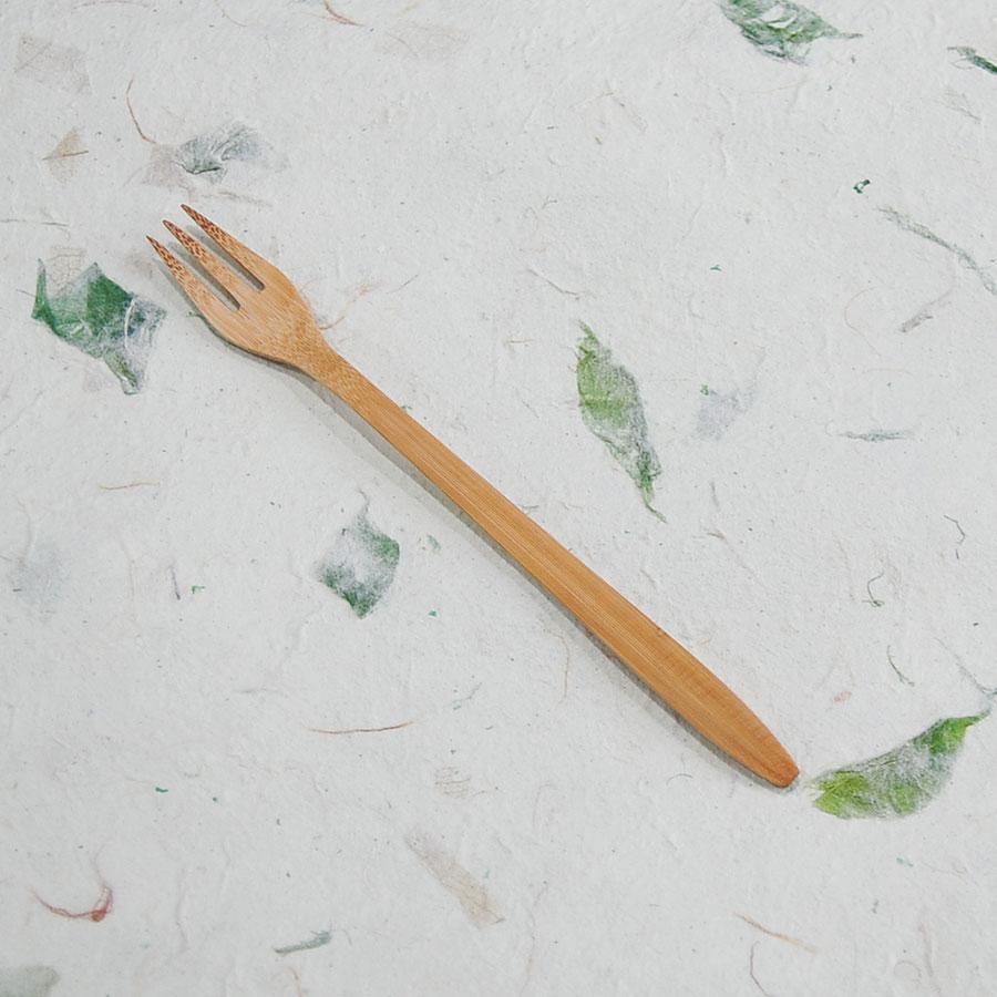 Set muỗng, nĩa tre kèm túi vải đựng