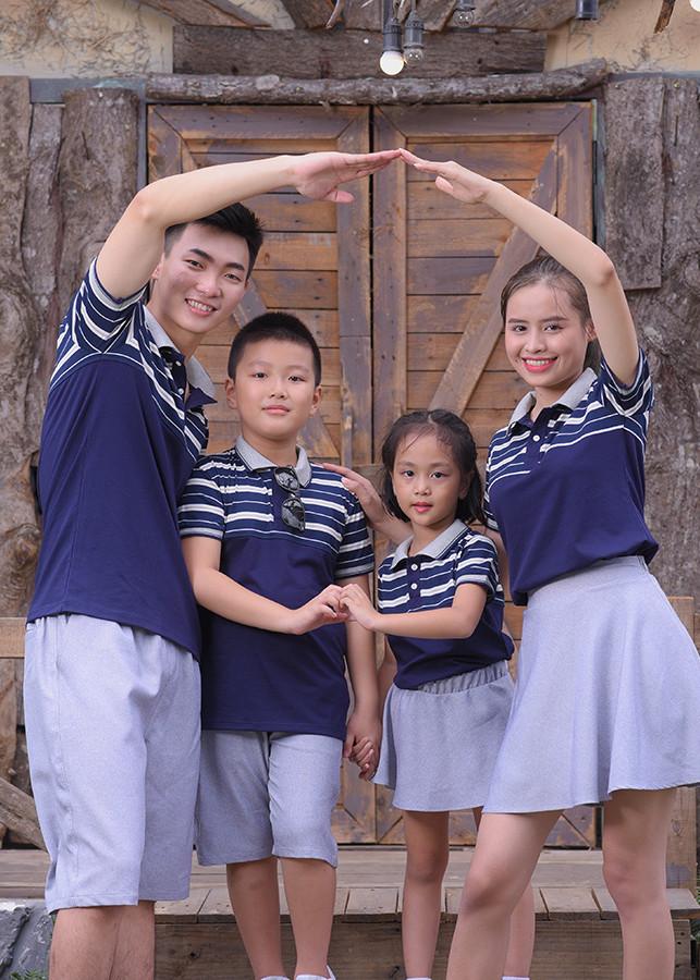 Áo gia đình phối kẻ sọc xanh đen - 9726599 , 2758603498592 , 62_16197305 , 690000 , Ao-gia-dinh-phoi-ke-soc-xanh-den-62_16197305 , tiki.vn , Áo gia đình phối kẻ sọc xanh đen