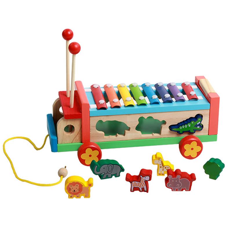 Xe tải chở thú chơi đàn