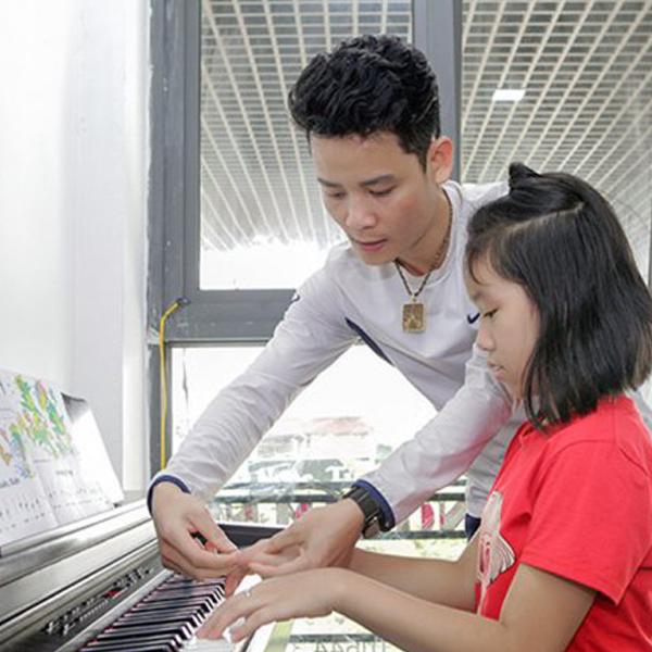 Khóa học thanh nhạc và hát karaoke cấp tốc tại Trung tâm nghệ thuật Royal