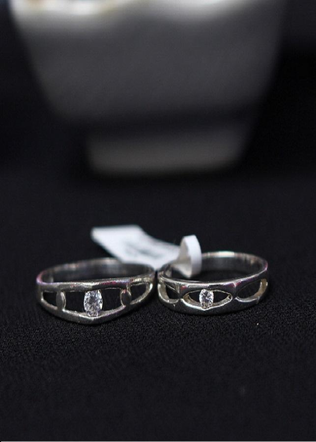 Nhẫn đôi Glosbe 1 xi vàng tây cỡ nhỏ - 9491721 , 8928408945964 , 62_12033960 , 1100000 , Nhan-doi-Glosbe-1-xi-vang-tay-co-nho-62_12033960 , tiki.vn , Nhẫn đôi Glosbe 1 xi vàng tây cỡ nhỏ