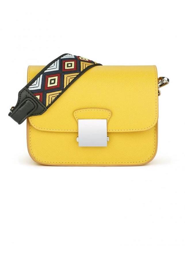 Túi xách thời trang nữ đeo chéo Saras 2 màu vàng