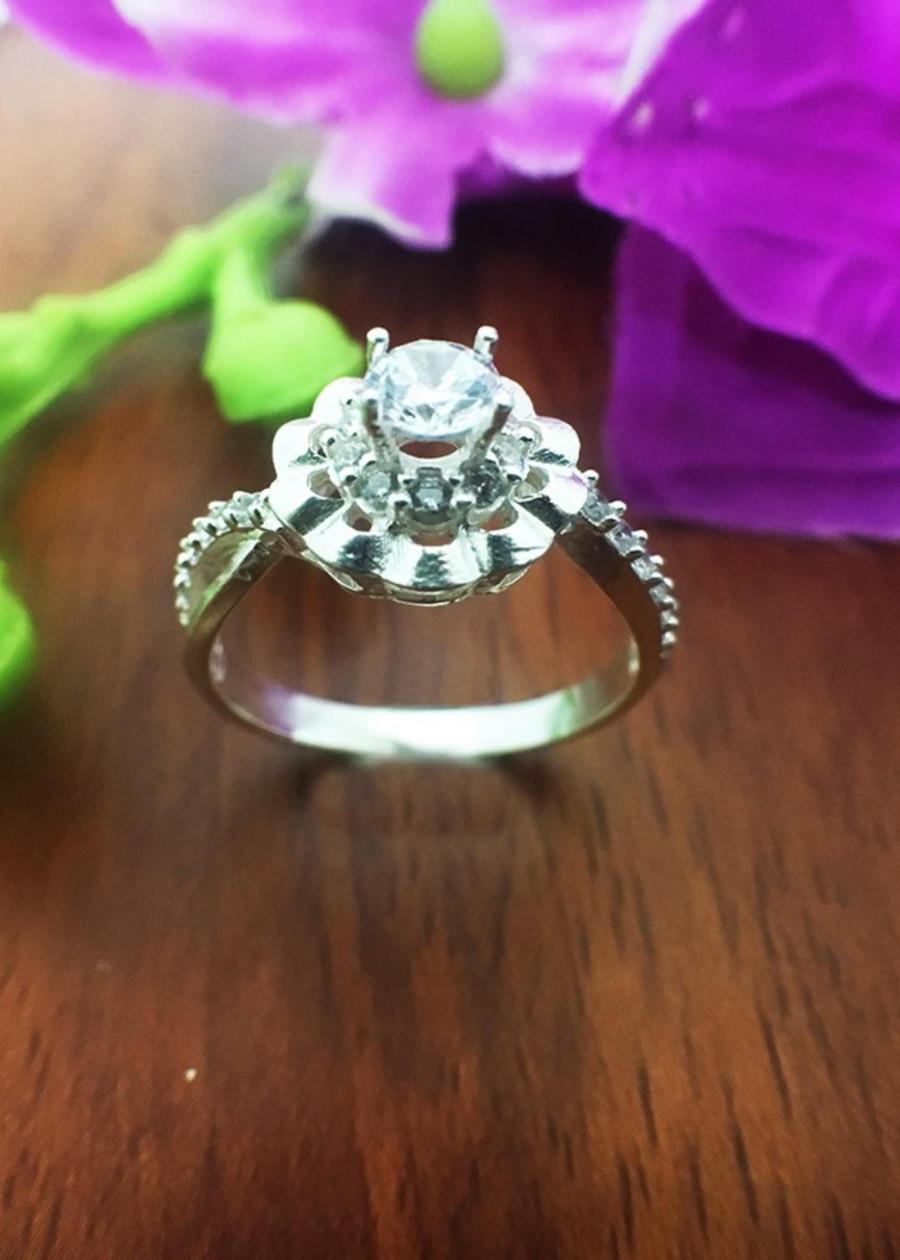 Nhẫn nữ ổ cao nạm kim cương nhân tạo bạc cao cấp - NU85 - trang sức Bạc QTJ(bạc) - 7791124 , 8646200378437 , 62_16383916 , 289000 , Nhan-nu-o-cao-nam-kim-cuong-nhan-tao-bac-cao-cap-NU85-trang-suc-Bac-QTJbac-62_16383916 , tiki.vn , Nhẫn nữ ổ cao nạm kim cương nhân tạo bạc cao cấp - NU85 - trang sức Bạc QTJ(bạc)