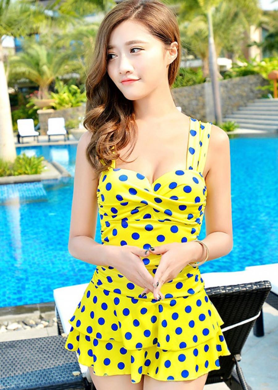 Bộ váy tắm biển hai dây kèm quần váy may liền chất thun co giãn (CHẤM BI VÀNG)