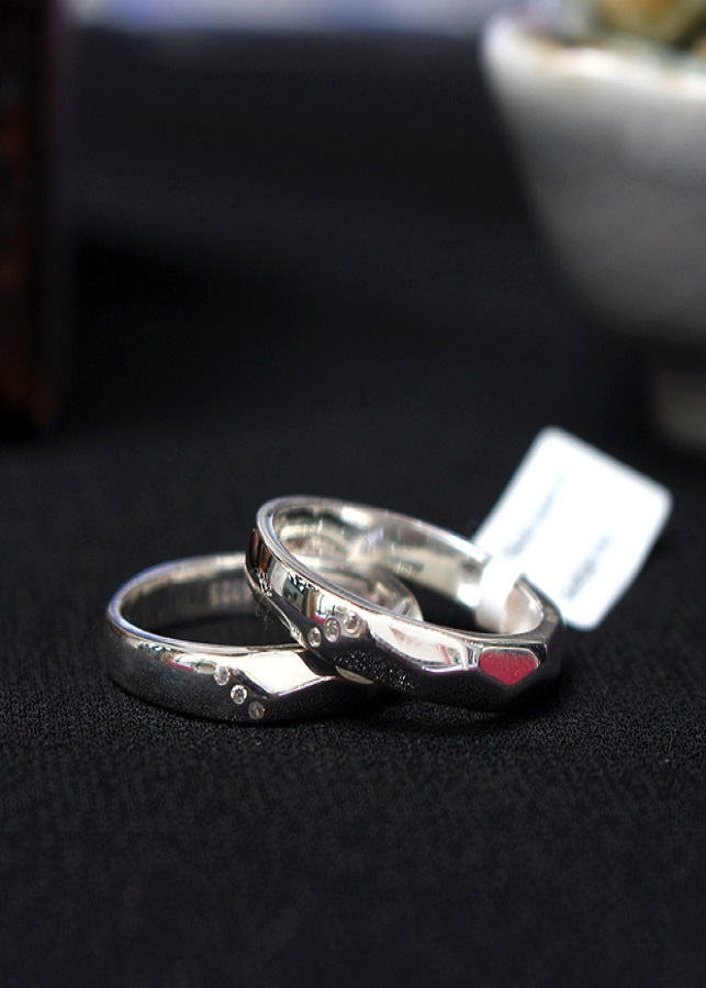 Nhẫn đôi Glosbe 10 xi vàng tây cỡ trung