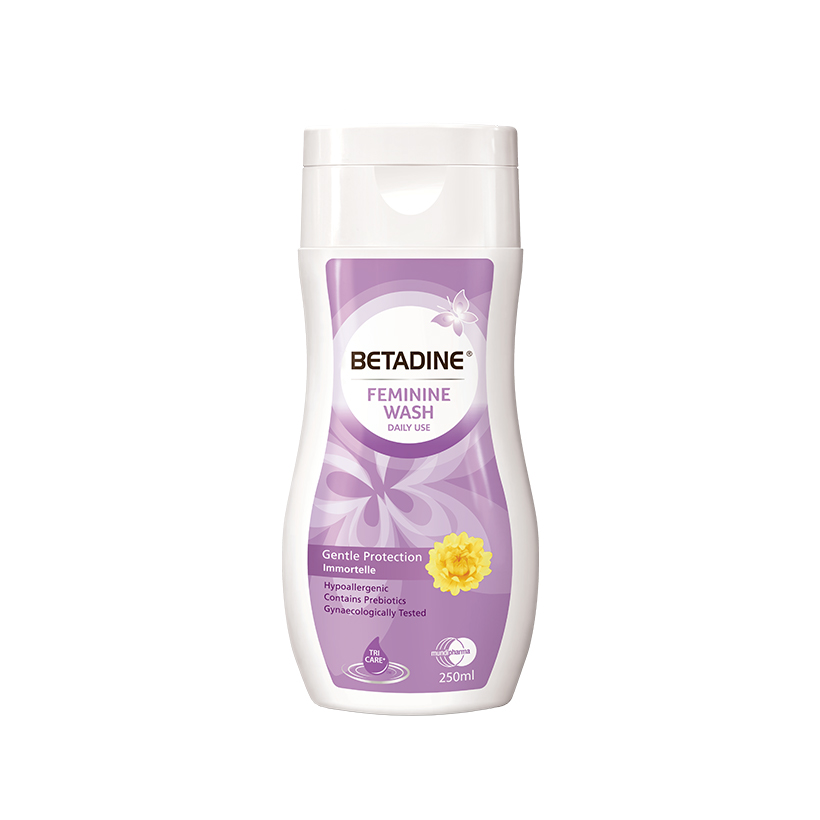 Dung dịch vệ sinh phụ nữ Betadine Gentle Protection - chai 250ml