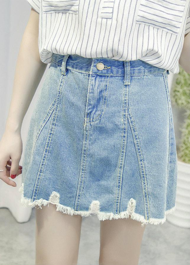 Chân váy jeans rách cổ điển Mã: VN645 - XANH NHẠT - 792132 , 2134298799358 , 62_12657597 , 190000 , Chan-vay-jeans-rach-co-dien-Ma-VN645-XANH-NHAT-62_12657597 , tiki.vn , Chân váy jeans rách cổ điển Mã: VN645 - XANH NHẠT