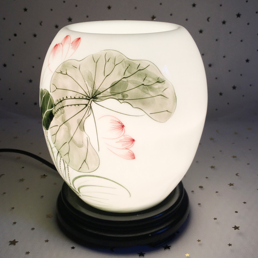 Đèn xông tinh dầu điện bằng gốm tráng men loại to, họa tiết đầm sen