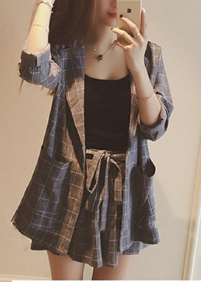 Bộ quần áo véc đùi kèm áo hai dây sành điệu phong cách hàn quốc