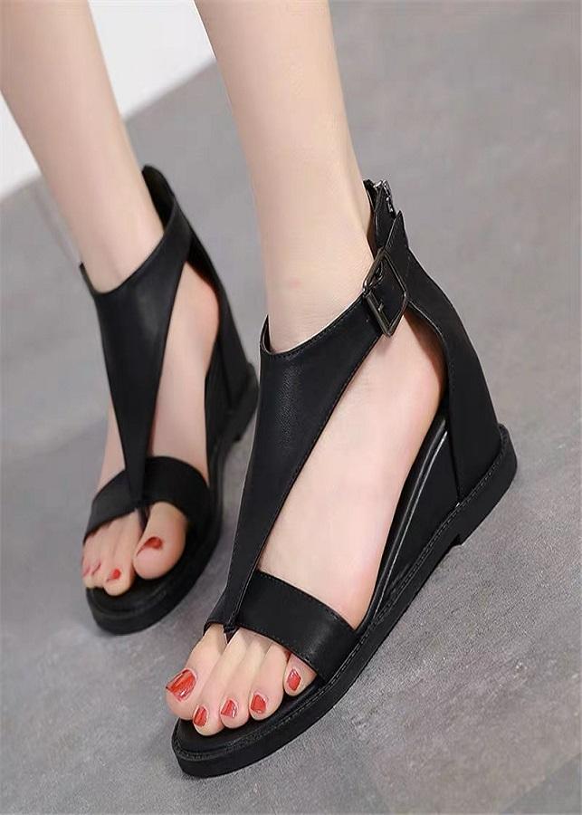 Giày sandal chiến binh nữ cá tính - 2190996 , 7623902104381 , 62_14058788 , 355000 , Giay-sandal-chien-binh-nu-ca-tinh-62_14058788 , tiki.vn , Giày sandal chiến binh nữ cá tính