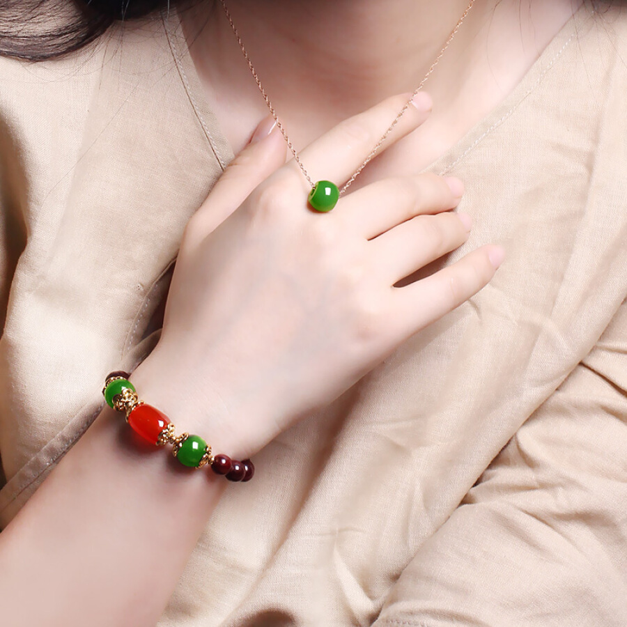 7000 Hetian jade pendant with small leaf rosewood bracelet fashion female models transfer beads jade pendant with identification certificate...