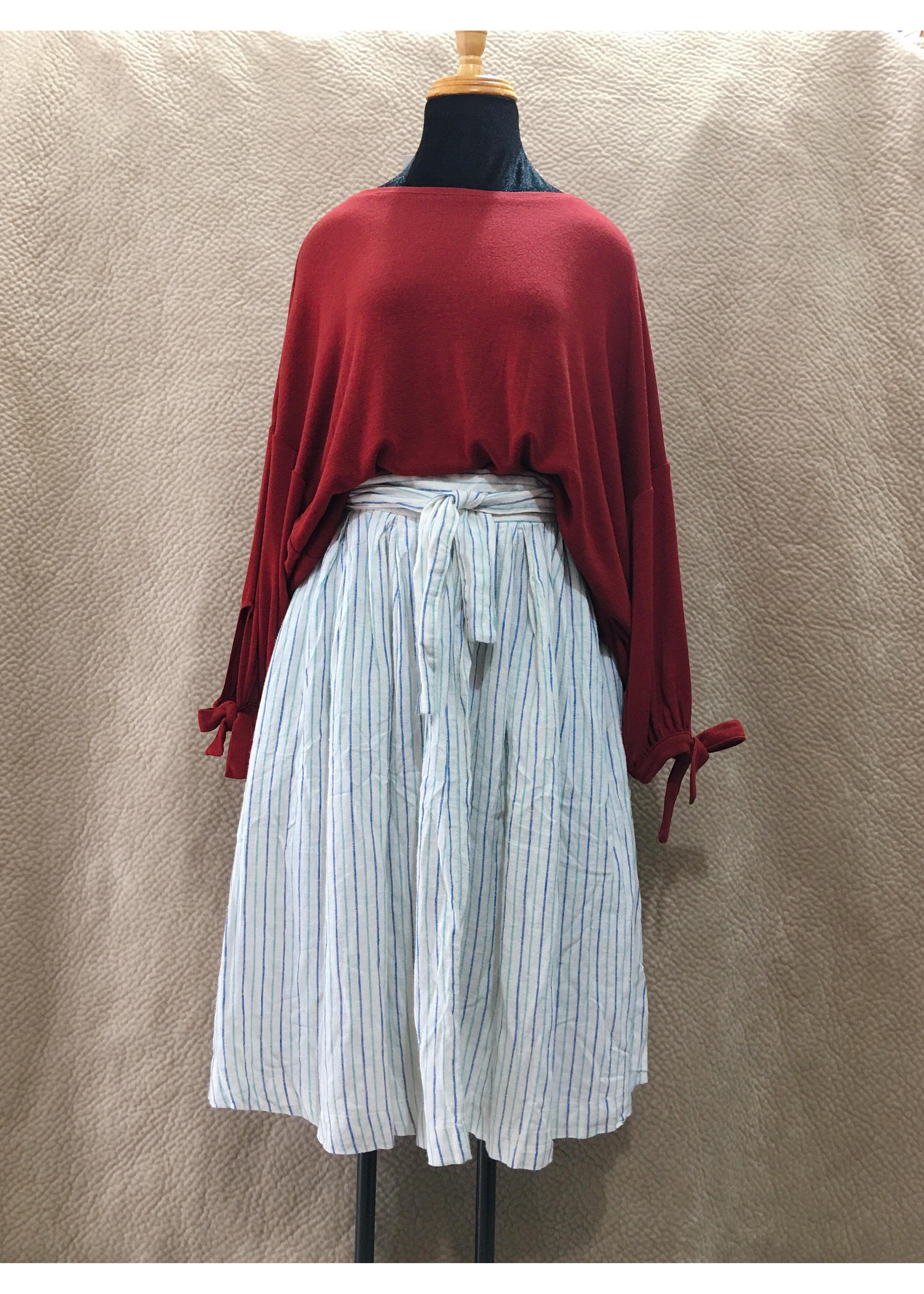 1120179444098 - Chân váy trắng sọc nhỏ dài VNXK