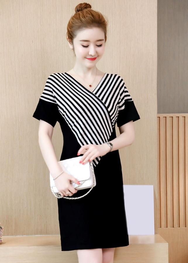 Đầm Suông Họa Tiết Phối Sọc - DS989