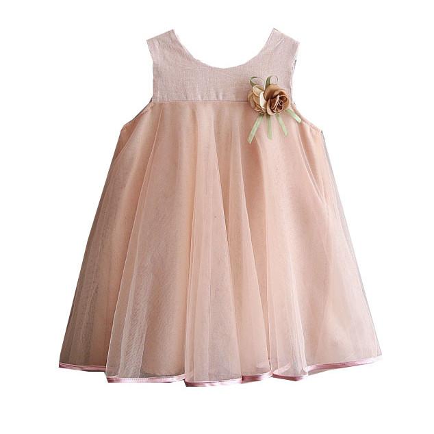 Đầm xòe cài hoa bé gái D582