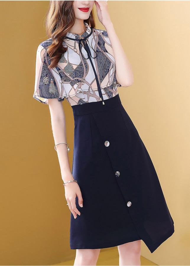 Đầm Xòe Áo Họa Tiết Chân Váy Phối Nút Siêu Việt TT – SVTSN22701