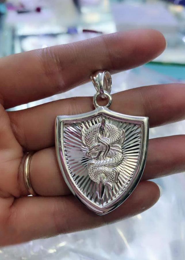 Mặt dây chuyền bạc nam hình rồng, chất liệu bạc ta cao cấp. Bạc BSJ - MDN005 - 1839752 , 8698568725026 , 62_13817970 , 550000 , Mat-day-chuyen-bac-nam-hinh-rong-chat-lieu-bac-ta-cao-cap.-Bac-BSJ-MDN005-62_13817970 , tiki.vn , Mặt dây chuyền bạc nam hình rồng, chất liệu bạc ta cao cấp. Bạc BSJ - MDN005