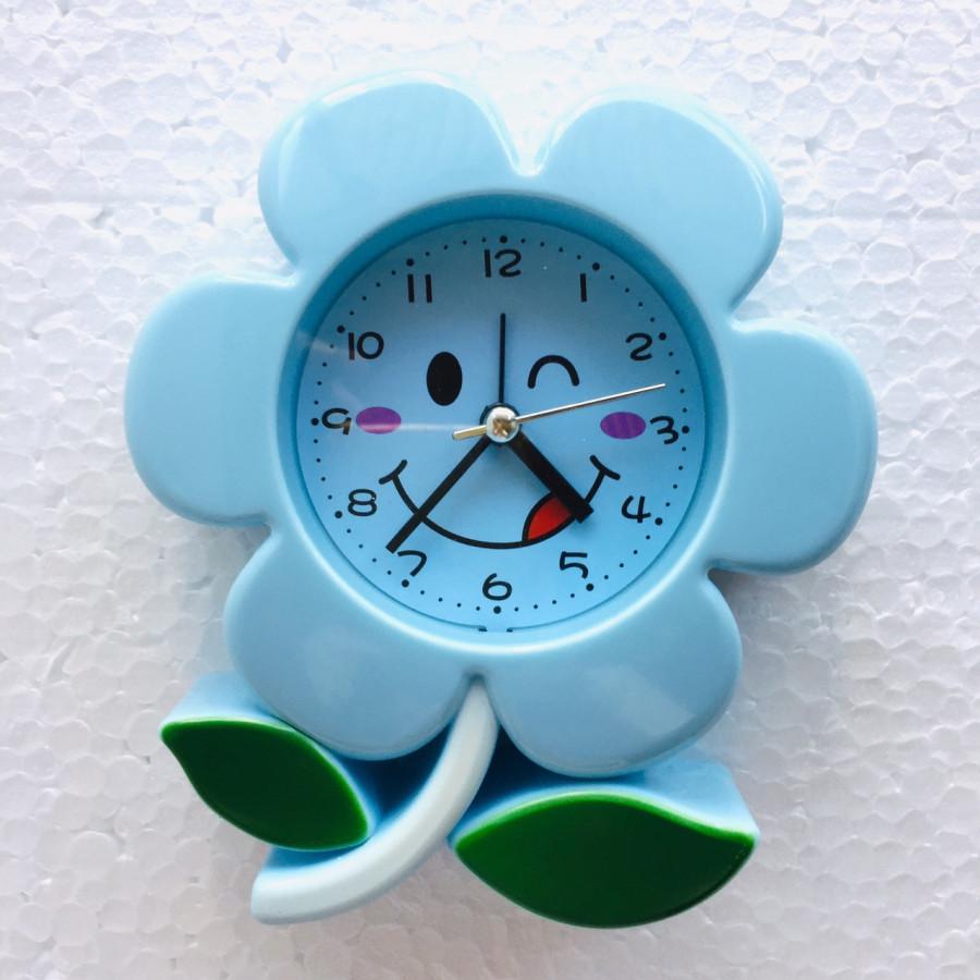 Đồng hồ báo thức để bàn Hoa mai - 7029 - Màu ngẫu nhiên