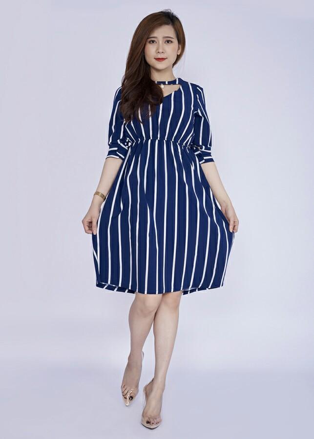 Đầm dạo phố nữ tính