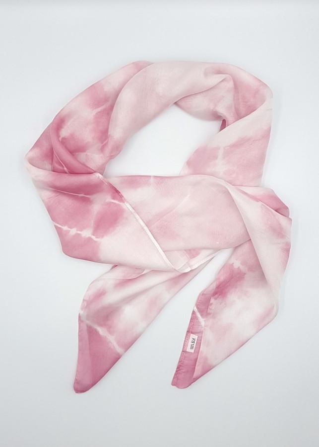 Khăn lụa tơ tằm vuông 85x85cm màu hồng cánh sen nhuộm màu tự nhiên