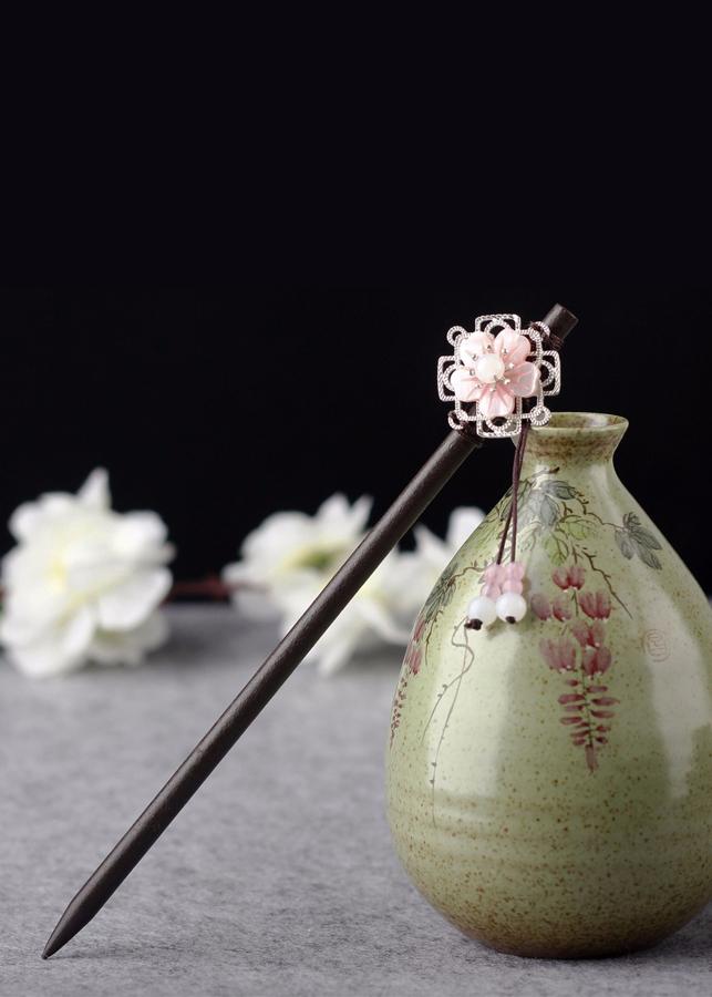 Trâm cài tóc cổ trang thân gỗ hồng hoa trâm cài tóc nữ cổ trang Trung Quốc phong cách cổ đại cosplay nữ tính thời... - 18526651 , 8459193946688 , 62_20055788 , 150000 , Tram-cai-toc-co-trang-than-go-hong-hoa-tram-cai-toc-nu-co-trang-Trung-Quoc-phong-cach-co-dai-cosplay-nu-tinh-thoi...-62_20055788 , tiki.vn , Trâm cài tóc cổ trang thân gỗ hồng hoa trâm cài tóc nữ cổ t