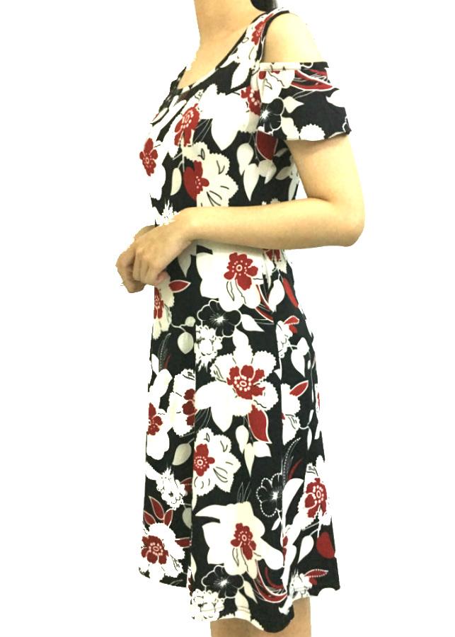Đầm suông cho phụ nữ trung niên trễ vai nền đen hoa đỏ trắng -HH3 - 2255755 , 4939461449836 , 62_14474281 , 315000 , Dam-suong-cho-phu-nu-trung-nien-tre-vai-nen-den-hoa-do-trang-HH3-62_14474281 , tiki.vn , Đầm suông cho phụ nữ trung niên trễ vai nền đen hoa đỏ trắng -HH3