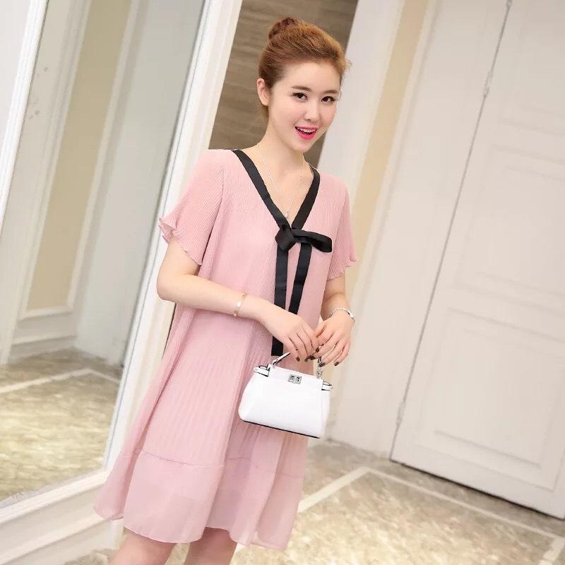Váy bầu hồng voan xếp ly nơ đen Size LOE