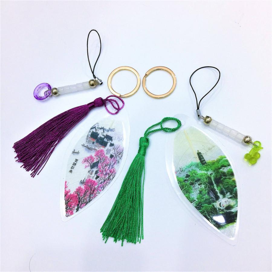 Combo 2 bộ móc khóa bookmark - nền hoa đào  cây xanh - tua tím  tua xanh lá - vòng tròn tím  chùm nho xanh - cực kỳ độc...