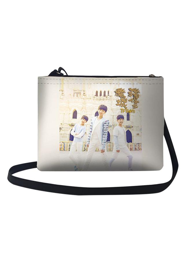 Túi Đeo Chéo Nữ In Hình Tf Boys Và Lâu Đài Ma Thuật - TUCH013 (24 x 17 cm)