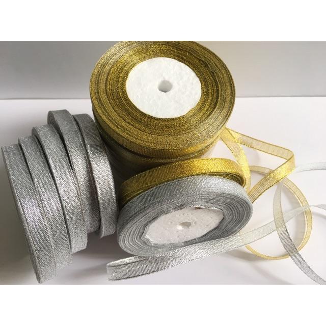 Combo 2 Cuộn Ruy băng kim tuyến/ duy băng nhũ bạc+ vàng (bản 1cm) (cuộn 22m/cuộn)