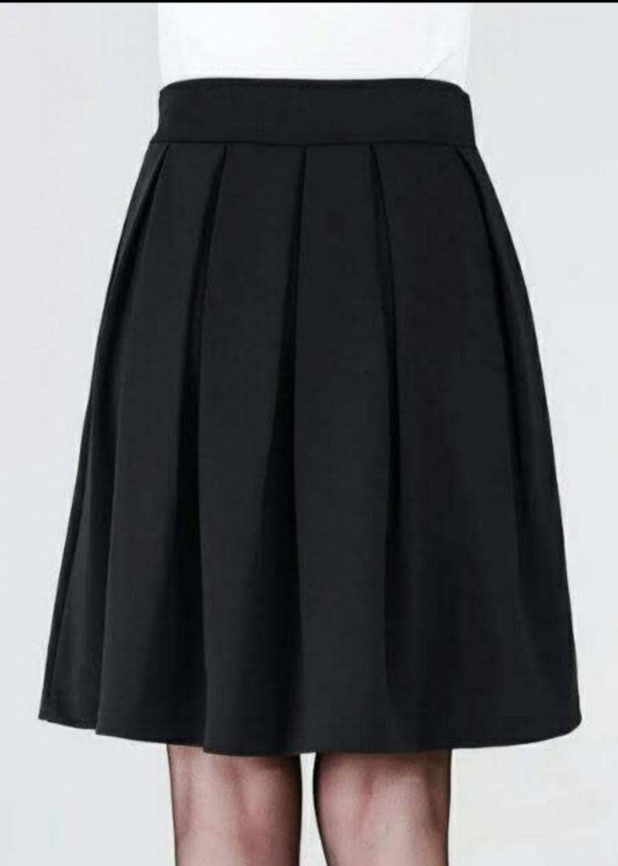 Chân váy xếp ly có kèm quần bên trong màu đen - 7452367 , 8378948266942 , 62_15702396 , 150000 , Chan-vay-xep-ly-co-kem-quan-ben-trong-mau-den-62_15702396 , tiki.vn , Chân váy xếp ly có kèm quần bên trong màu đen