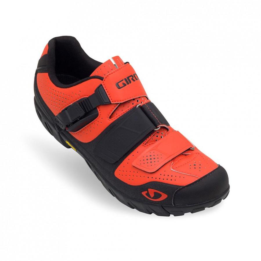 Giày đạp xe Giro Terraduro