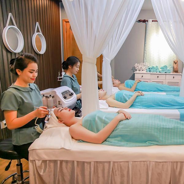 Liệu Trình Massage Body + Chăm Sóc Da Chuyên Sâu (Gồm Chạy C / Collagen / Thải Độc Chì / Nâng Cơ) Tại Lam Spa