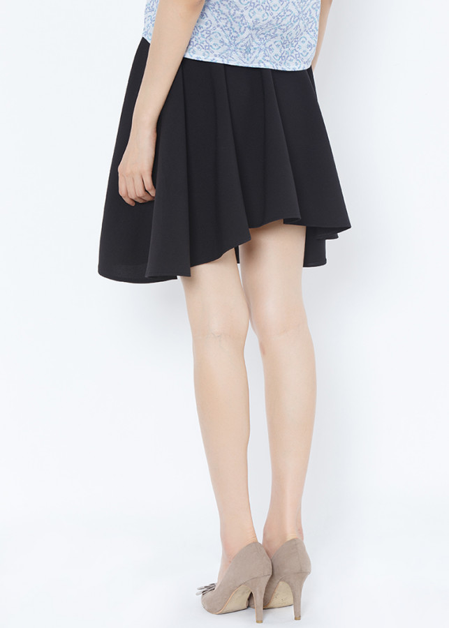Chân váy xòe tròn cách điệu