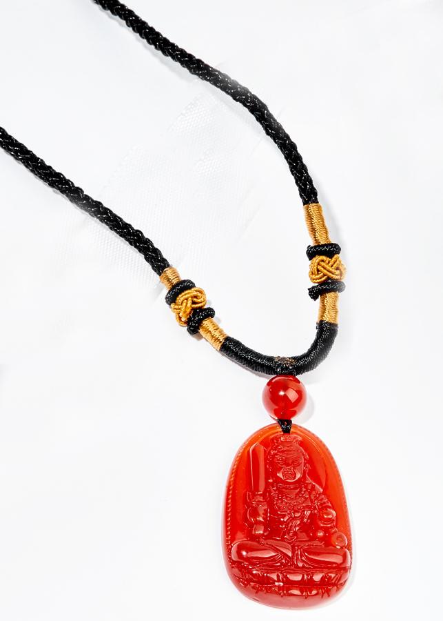 Mặt Dây Chuyền Phật Bất Động Minh Vương Đá Mã Não Đỏ (5 x 3 cm)