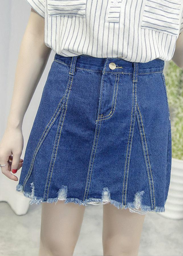 Chân váy jeans rách cổ điển Mã: VN645 - XANH ĐẬM - 1773966 , 5582353989959 , 62_12668849 , 190000 , Chan-vay-jeans-rach-co-dien-Ma-VN645-XANH-DAM-62_12668849 , tiki.vn , Chân váy jeans rách cổ điển Mã: VN645 - XANH ĐẬM