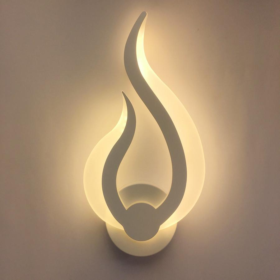 Đèn gắn tường đóm lửa hiện đại (có 3 màu ánh sáng)