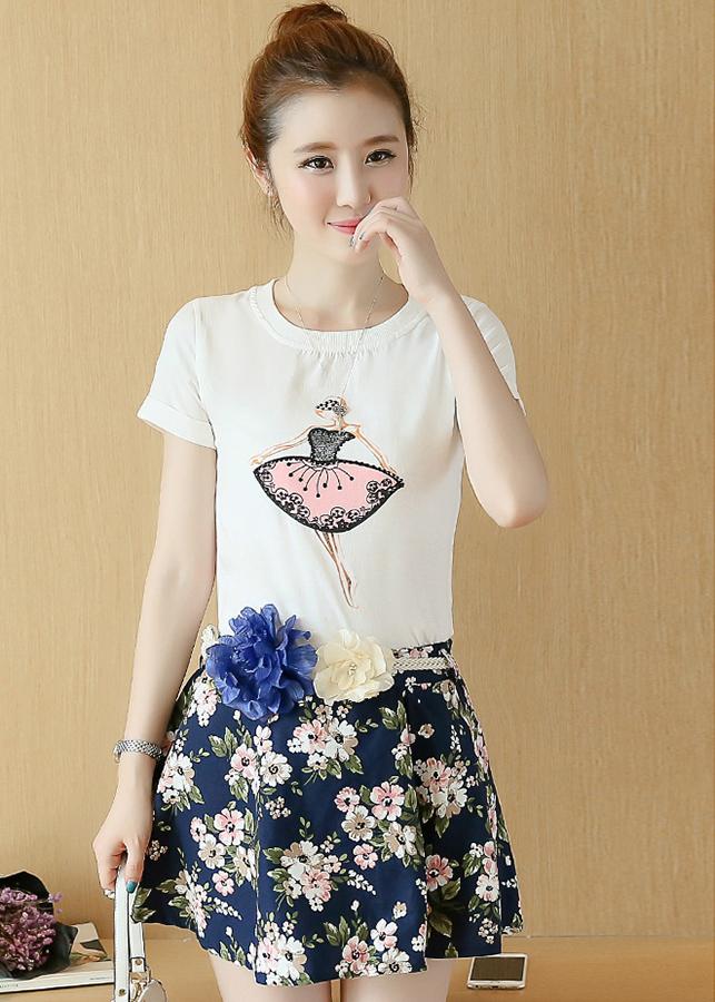 1945751848367 - Set áo thun in hình cô gái phối chân váy hoa xòe kèm thắt lưng SANGCHANH0457
