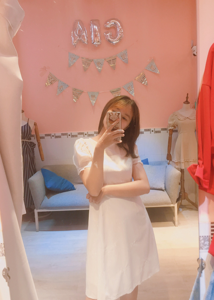Đầm trắng linen