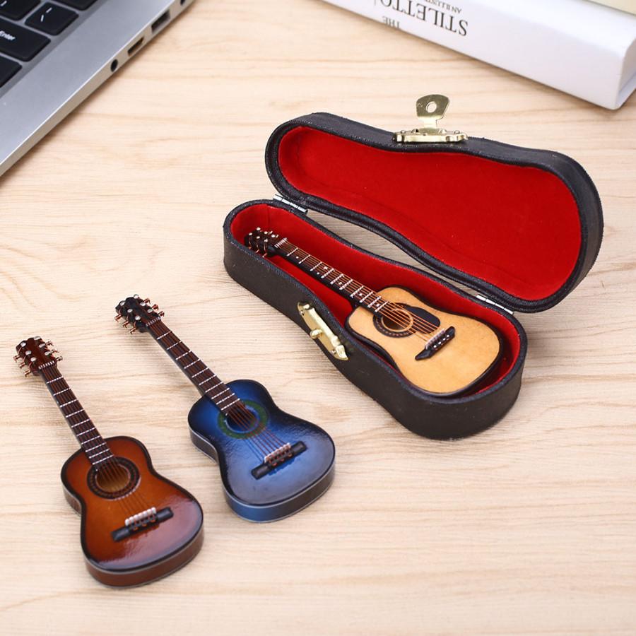 Hộp Đàn Guitar Trang Trí Bàn Làm Việc (10 x 4 x 1cm) - 6979136 , 7668627175490 , 62_13171518 , 438000 , Hop-Dan-Guitar-Trang-Tri-Ban-Lam-Viec-10-x-4-x-1cm-62_13171518 , tiki.vn , Hộp Đàn Guitar Trang Trí Bàn Làm Việc (10 x 4 x 1cm)