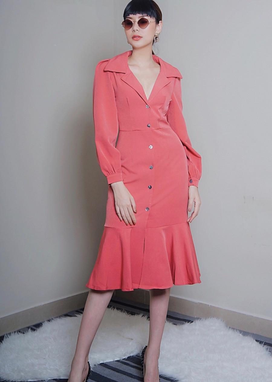 Đầm cổ vest COBAE suông chân váy đuôi cá rũ nhẹ