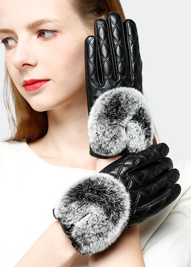 Găng tay nữ trần trám da cừu cao cấp BH6746 - 1325022 , 5689204264460 , 62_8000330 , 700000 , Gang-tay-nu-tran-tram-da-cuu-cao-cap-BH6746-62_8000330 , tiki.vn , Găng tay nữ trần trám da cừu cao cấp BH6746