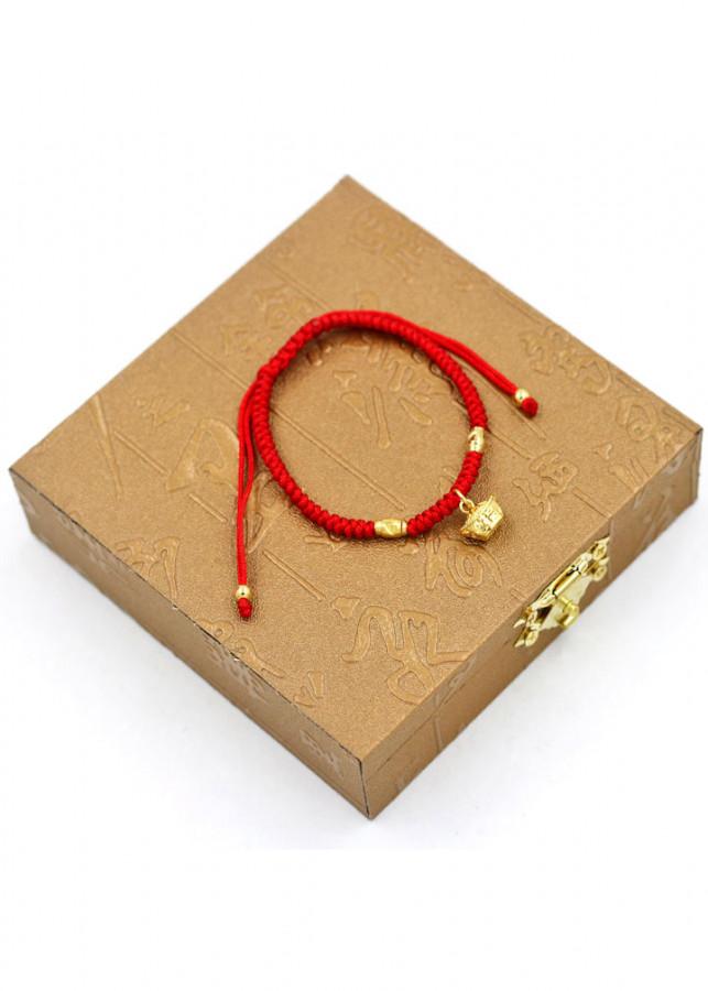 Vòng tay tết dây phong thủy thỏi vàng TD7 kèm hộp gỗ - Vòng đeo tay chỉ đỏ may mắn - 1885839 , 1254425819405 , 62_14444875 , 300000 , Vong-tay-tet-day-phong-thuy-thoi-vang-TD7-kem-hop-go-Vong-deo-tay-chi-do-may-man-62_14444875 , tiki.vn , Vòng tay tết dây phong thủy thỏi vàng TD7 kèm hộp gỗ - Vòng đeo tay chỉ đỏ may mắn